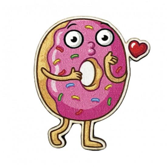 """Значок из дерева """"Влюбленный пончик"""""""