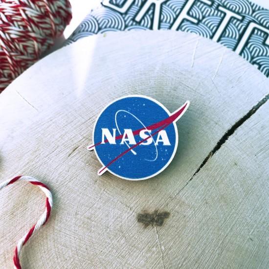 """Деревянный значок """"НАСА"""""""